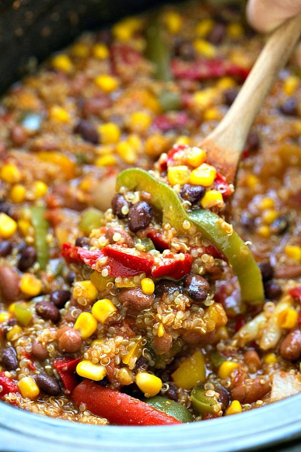 southwest-crockpot-quinoa-and-veggies2chelseamessyapron