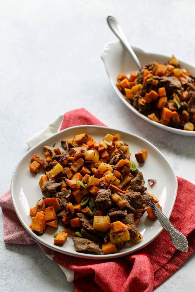 Whole30 Shredded Steak, Sweet Potato, & Apple Skillet Meal Prep ---4